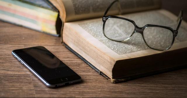 """Đây là lý do vì sao đọc sách mỗi ngày là """"khoản đầu tư"""" có lãi nhất của đời người"""