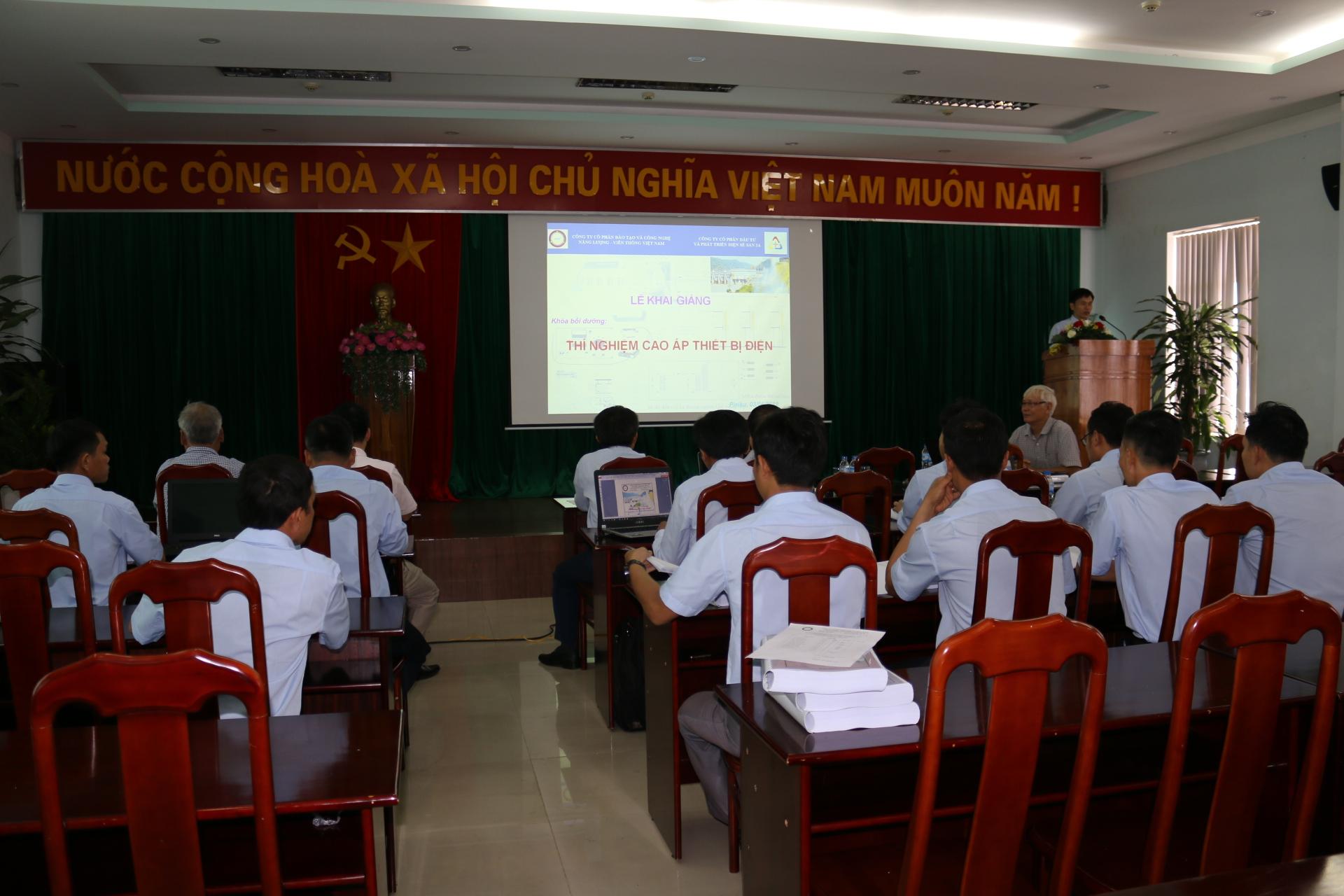 Sê San 3A tổ chức khóa bồi dưỡng công tác thí nghiệm thiết bị điện cao áp