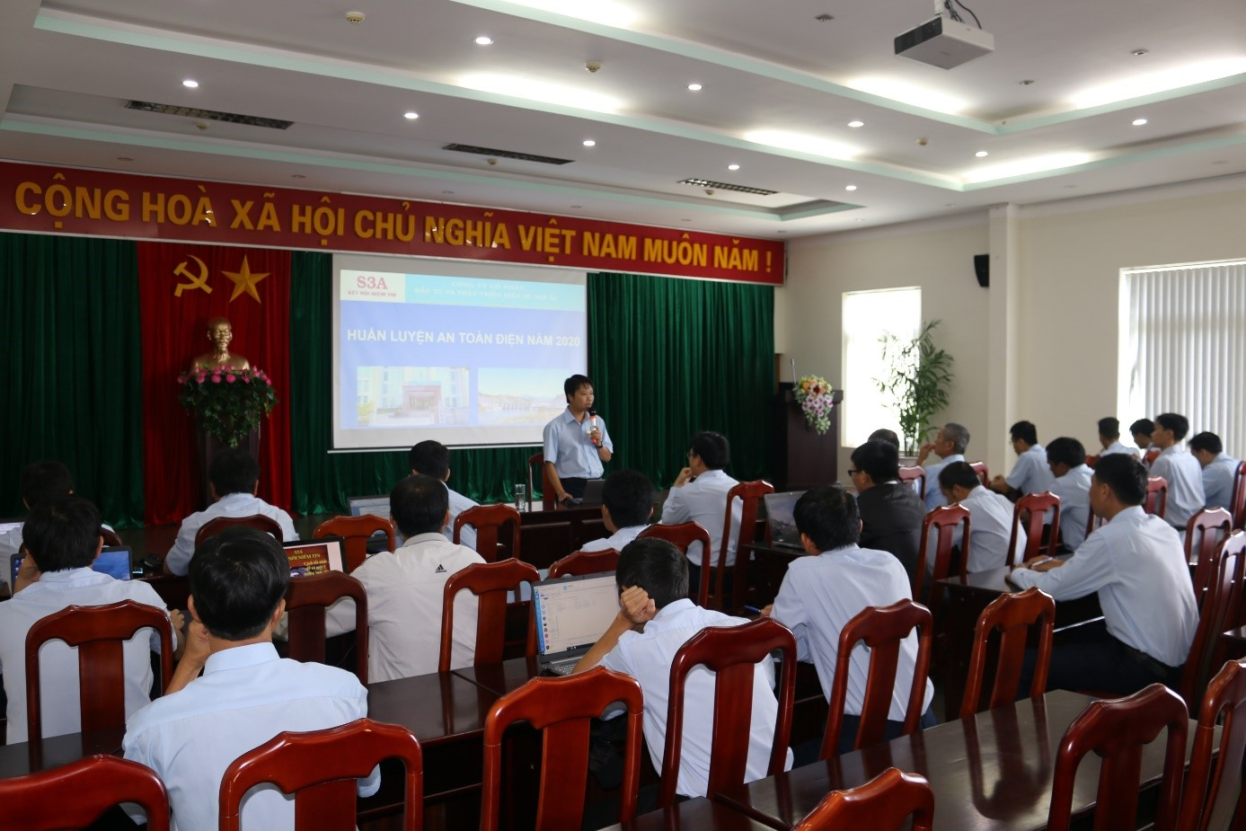 Sê San 3A huấn luyện kiến thức an toàn điện năm 2020
